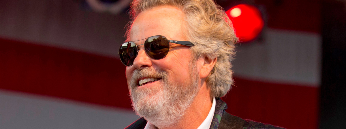Robert Earl Keen and His Band with guest Ben de la Cour
